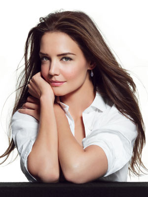 Katie Holmes Long Wear Even Finish Compact Foundation